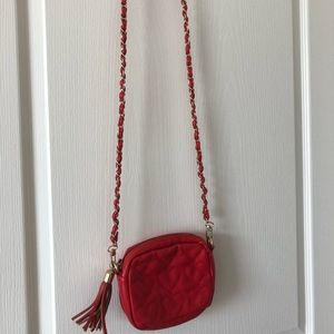 Red Heart Crossbody Chain Bag